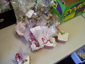 Meals on Wheels Christmas cakes